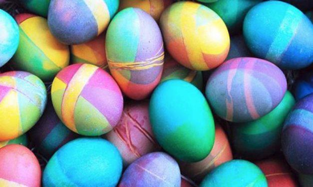 Miniovos coloridos para enfeitar o almoço de Páscoa