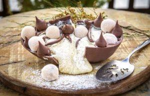 uma imagem sobre ovo recheado com creme de leite ninho e nutella
