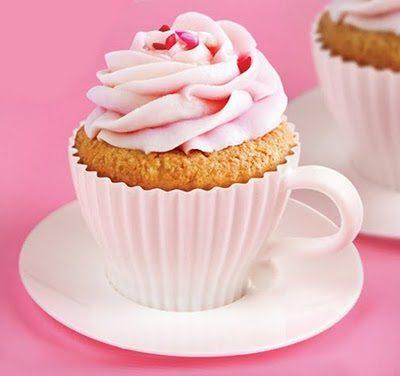 Praticidade na cozinha: Cupcake na xícara