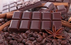 uma imagem sobre guardar barras de chocolate corretamente